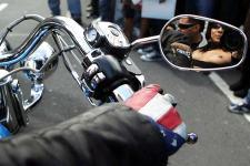 Boobs on Bikes (Bild von Spiegel Online)