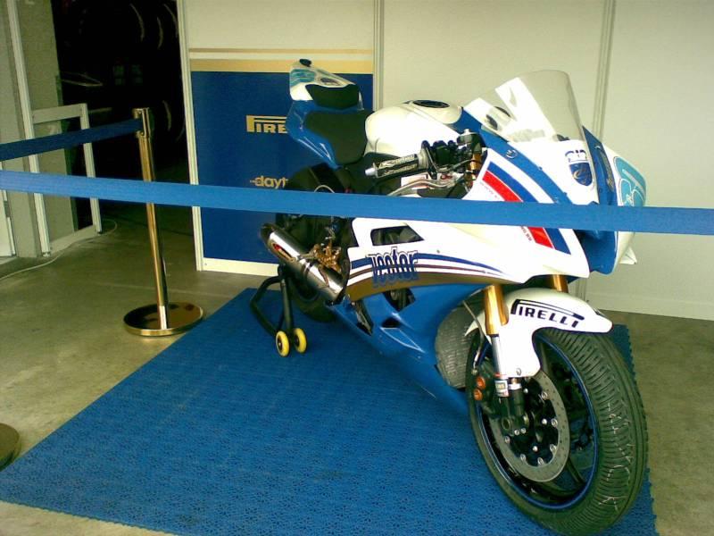 Das Gewinnerteam des ersten Supersportrennens fährt Yamaha