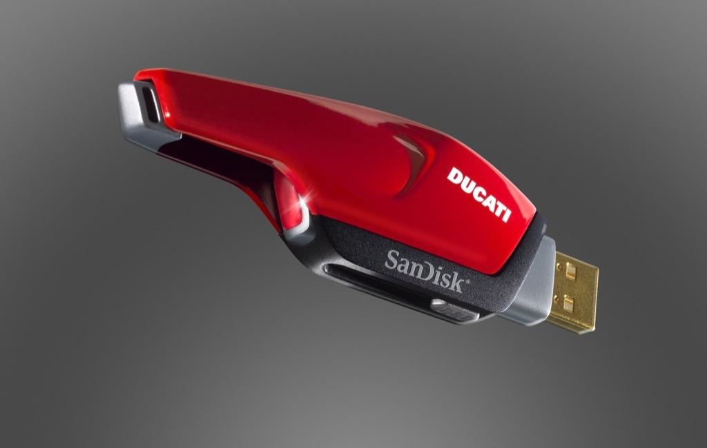 USB-Stick von SanDisk im Ducati-Design