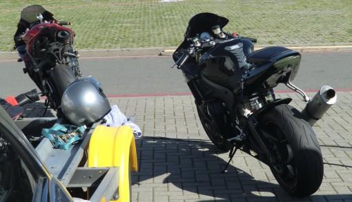 Die Straßen-Yamahas im Renntrimm